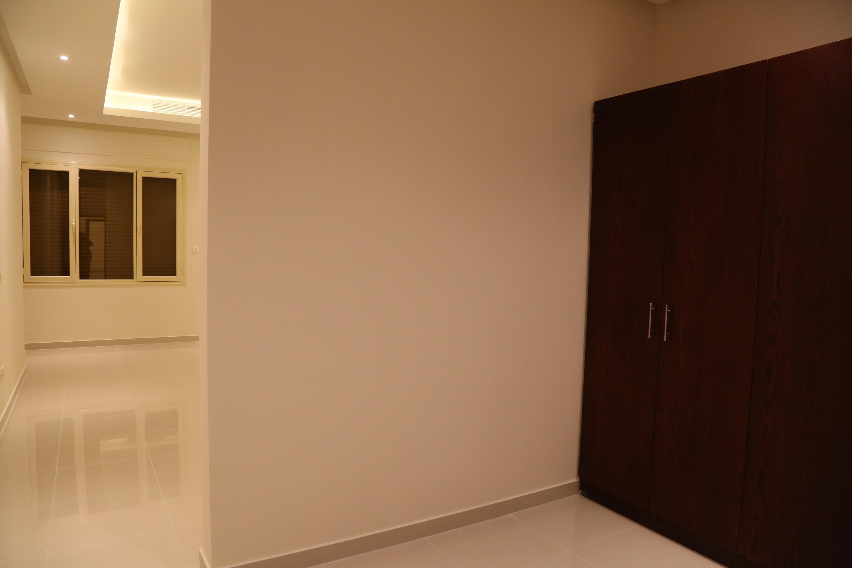 al siddiq villa kuwait Dresser Room
