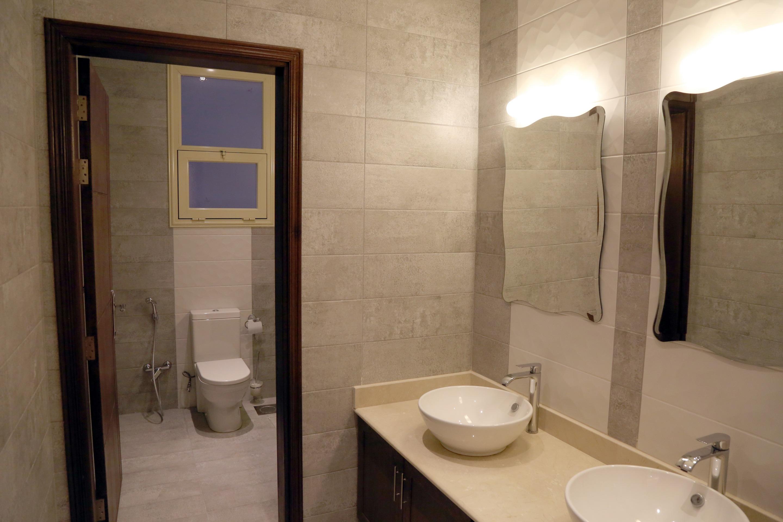 al siddiq villa kuwait guest bathroom