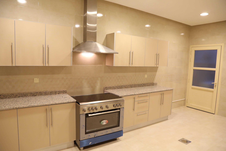 al siddiq villa kuwait Kitchen 2